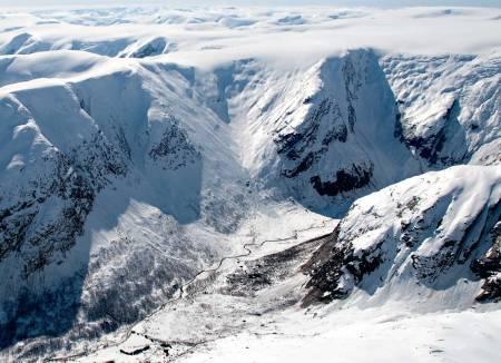 Bergsetdalen heiter den innerste delen av Krundalen. Foto: Bjørnar Bjørhusdal. / Toppturar i Sogn.