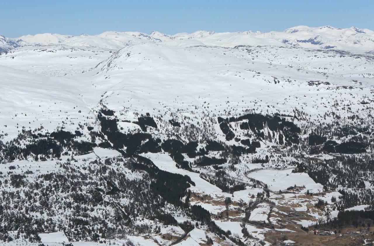 Bergsetnakken sett fra sør. Foto: Håvard Myklebust. / Trygge toppturer.