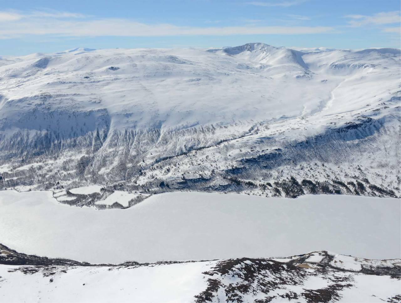 Kråkvasstinden sett fra nord. Foto: Ludvig Killingberg. / Trygge toppturer.