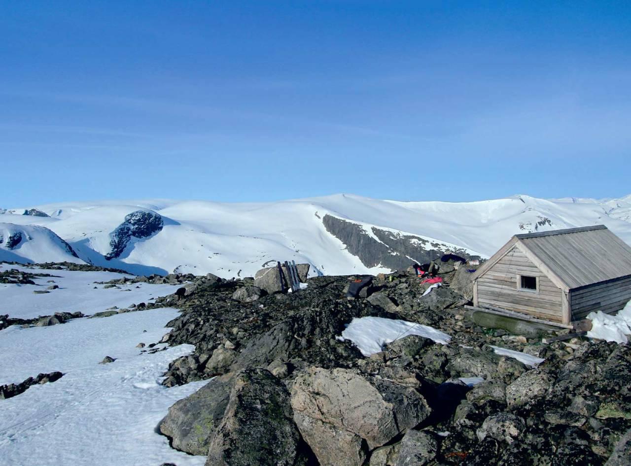 Utsikt mot Bjørga frå Kvannebakkbu. Foto: Anne Cecilie Kapstad. / Toppturar i Sunnfjord.
