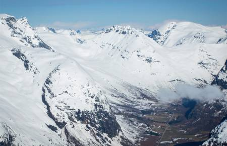 Blæja sett fra sørøst. Foto: Håvard Myklebust. / Trygge toppturer.
