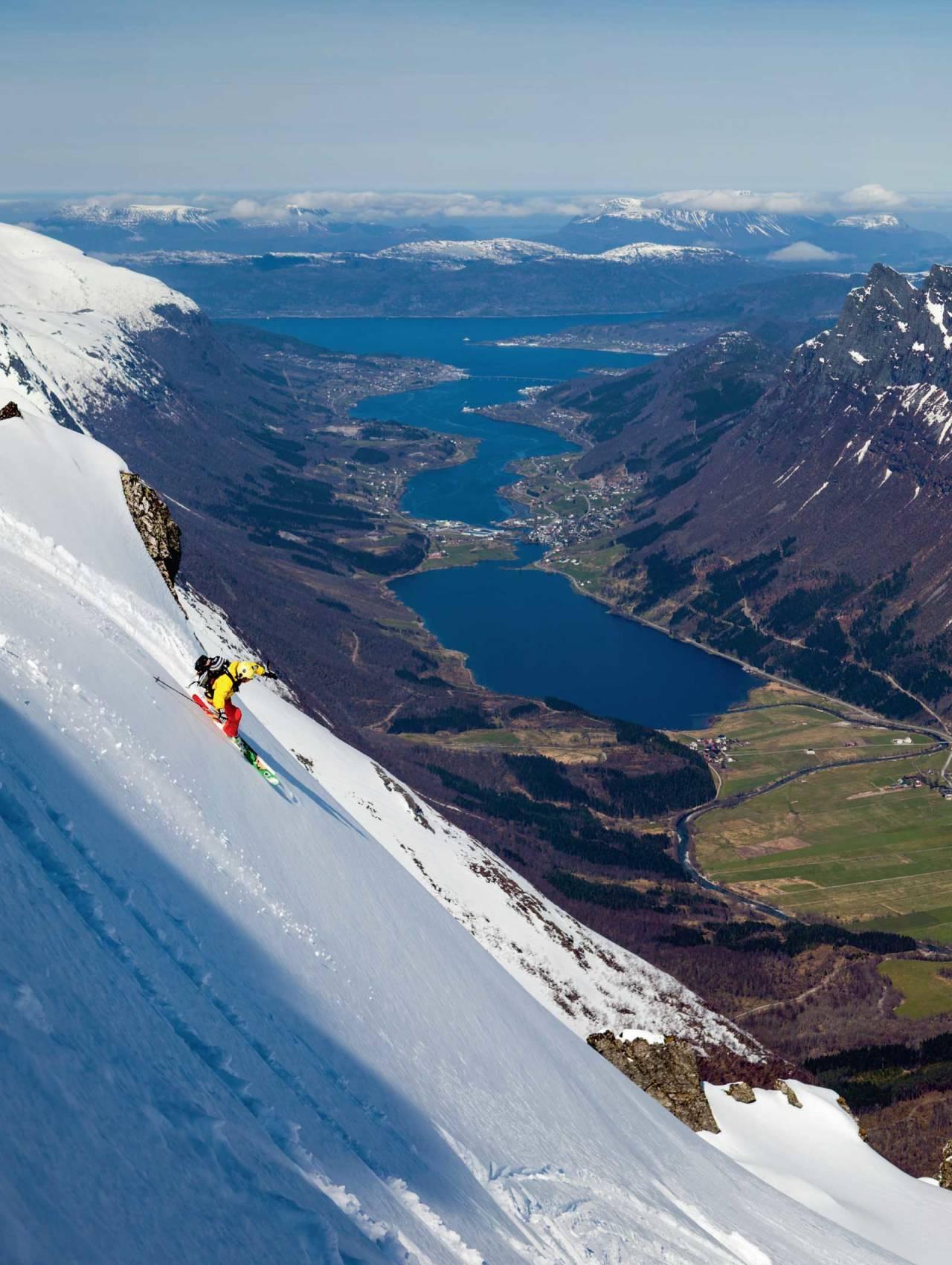 Skileik i sløsjsnø. Foto: Per Magne Drotninghaug.