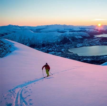 Februarlys på topp-platået. Foto: Håvard Myklebust