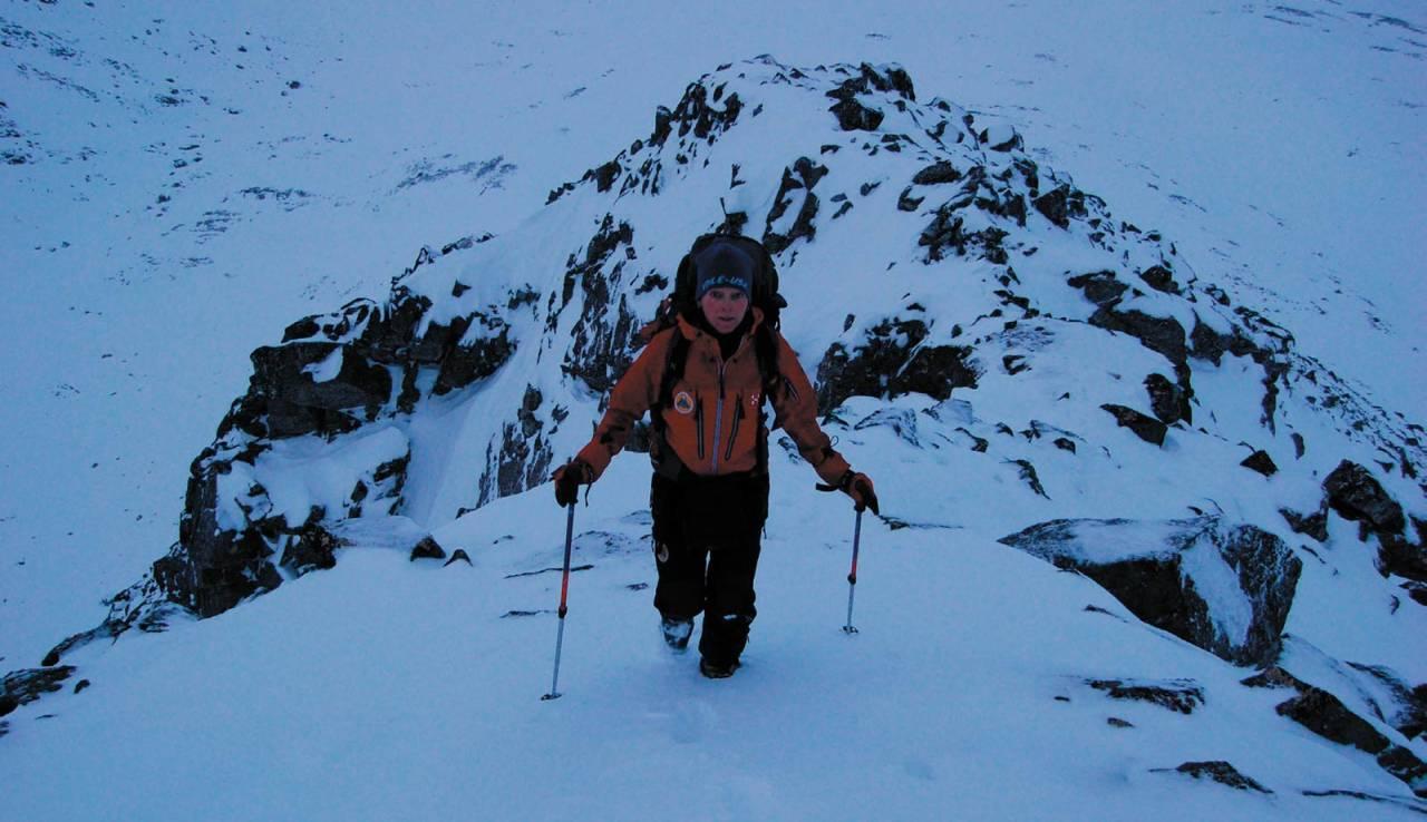 Heidi Berg med januarbesøk på vestryggen på Breidalfjellet. Foto: Espen Nordahl. / Toppturer i Troms.