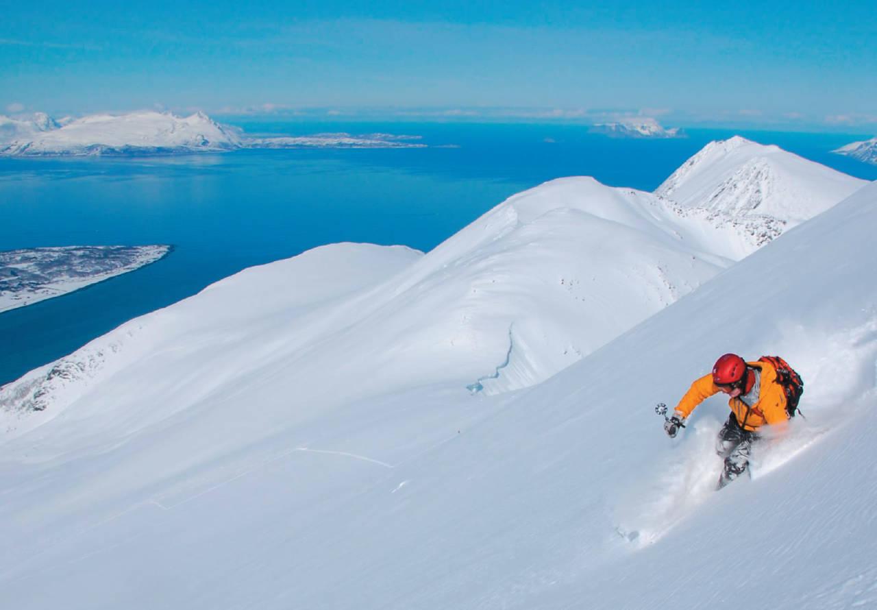 Tidenes beste snøfohold ned fra Storgalten? Foto: Espen Nordahl. / Toppturer i Troms.
