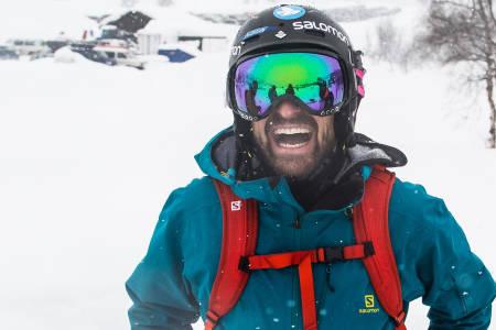 TJENA! Kaj Zackrisson fikk æren av å være med Skipatruljen på tur. Ikke rart han er blid. Bilde: Christian Nerdrum