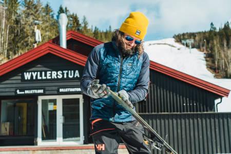 Bård Gundersen gjør seg klar for en tur opp Wyller i Sørkedalen. Bilde: Christian Nerdrum
