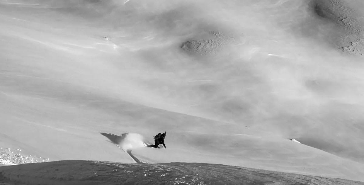 FINE FOROLD: Ingrid Lonar cruiser i deilig snø i Finnmark. Foto: Turtrusene