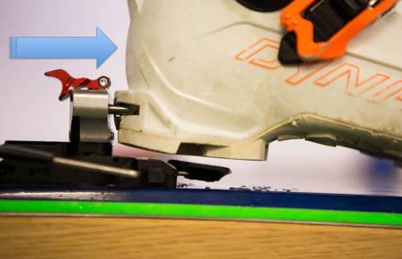 FREMOVERTRYKK: Bindingen går bedre og sikrere utløsingsfunksjon + bedre funksjon i slagete terreng med framovertrykk, som betyr at bakbindingen er fjærbelastet og bevegelig, og presser støvelen framover. Foto: Tore Meirik