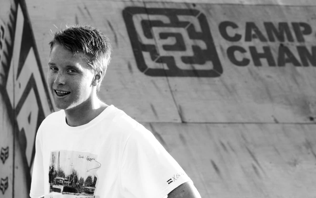 DOBBELAGENTEN: Jørn Simen Aabøe er både en av landets beste på snowboard og wakeboard.