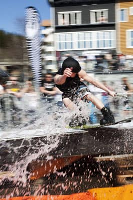 SLIPPERY WHEN WET: Urban vannrailing i Åre tidligere denne sommeren. Bilde: Trond W. Andersen