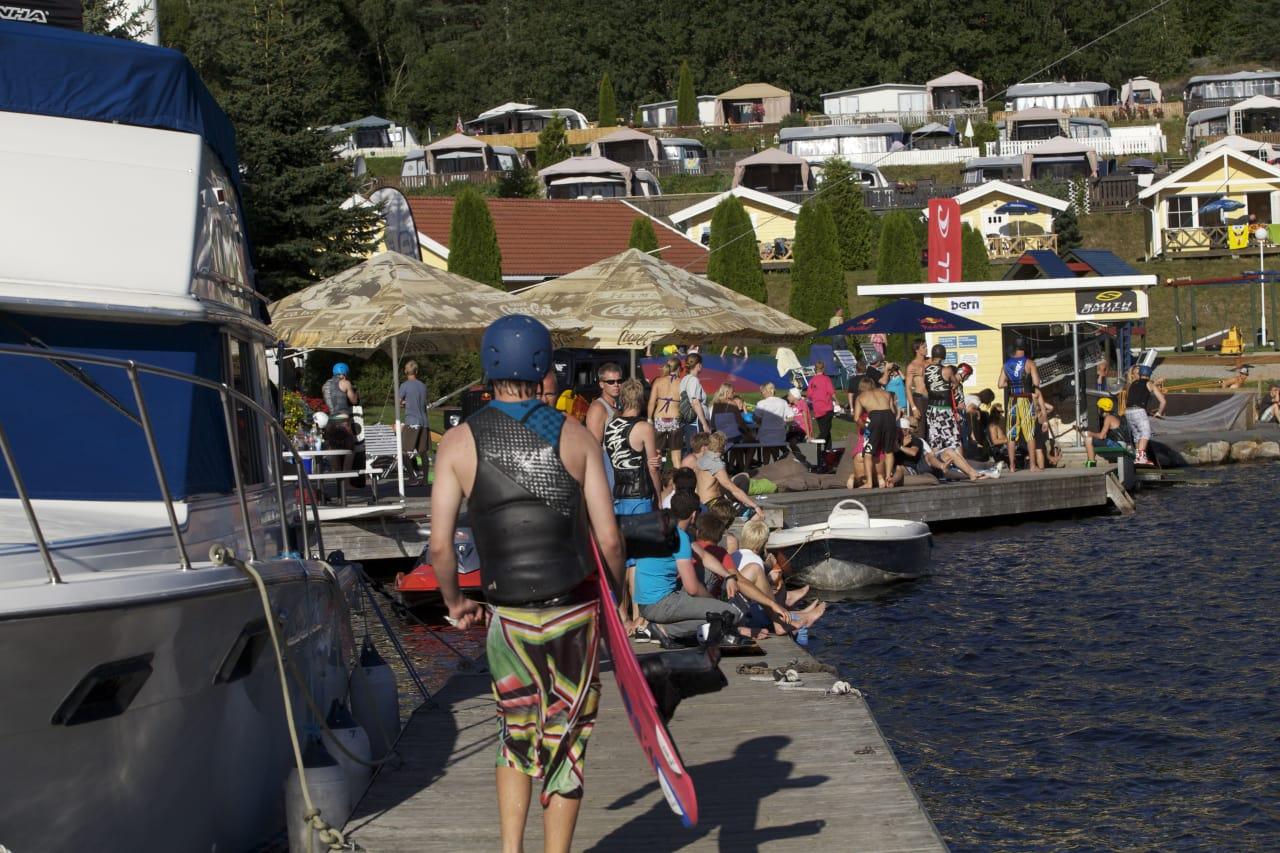 FINE FORHOLD: Fra helgas wake-NM i Telemark. Foto: Norsjö wakeboardklubb.