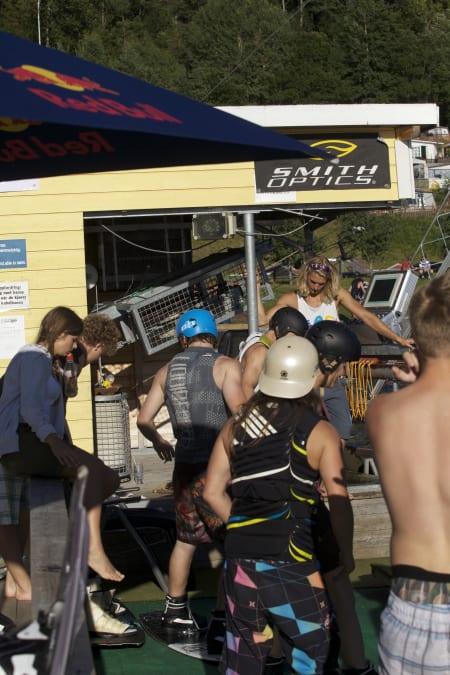 STOR DELTAGEELSE: Hele 53 kjørere deltok på helgas NM! Foto: Norsjö wakeboardklubb.