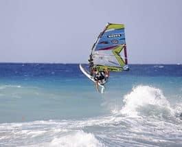 TURISTMÅL: På Rhodos er mulighetene store for familie- og windsurfingferie. Foto:©Morten Knudsen