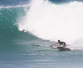STOR DAG: Levi Siver gjør seg klar for å bestige Hookipa-bølgen.