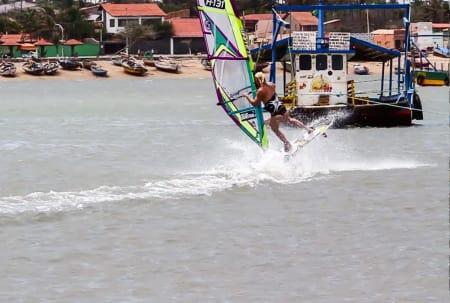 ENDA FLINKERE: Neste sesong er det grunn til å håpe på enda høyere plasseringer i PWA-verdenscupen i windsurfing. Oda har lært seg en god del nye triks i Jericoacoara, Brasil.