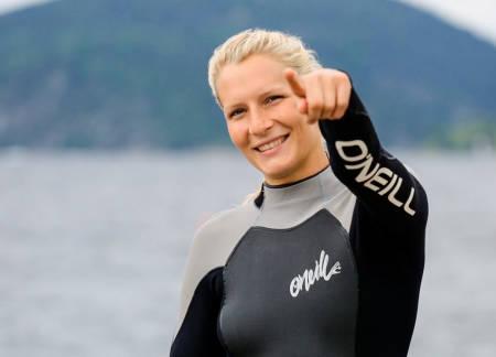 WINDSURFINGPEDAGOGEN: Oda gjør seg ikke bare klar for en splitter ny programserie på friflyt.no. Hun er også i full sving med verdenscupen i freestyle windsurfing hvor hun startet med en imponerende tredjeplass. Bilde: Christian Nerdrum