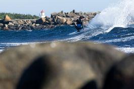 TATT: Fri Flyts Christian Nerdrum var en av dem som fikk bot for surfing. Foto: Nils-Erik Bjørholt
