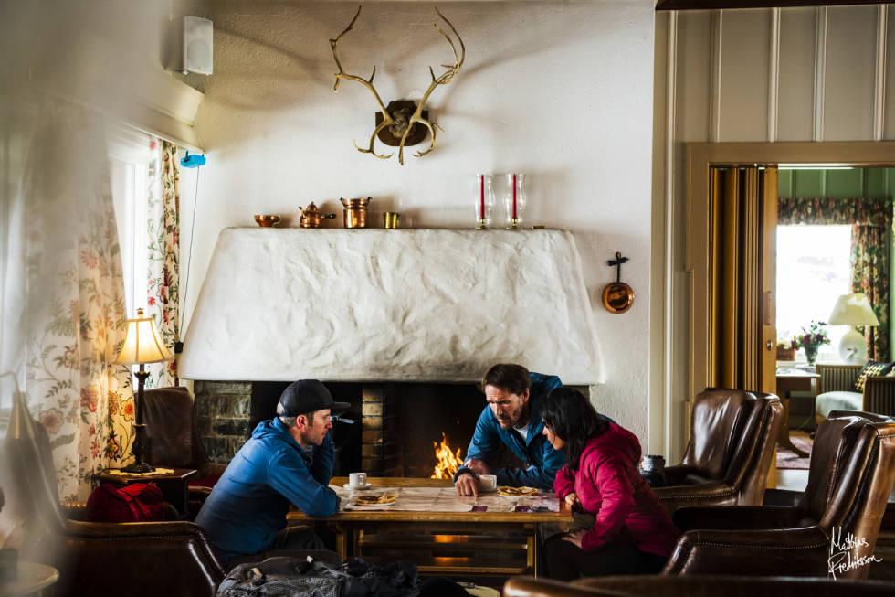 Stua på Vatnahalsen Høyfjellshotell. Her kan du blant annet steke dine egne vafler. Foto: Mattias Fredriksson.