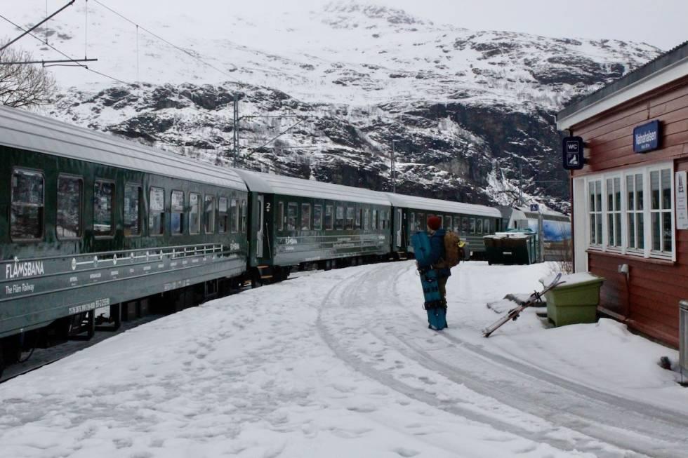 Flåmsbana er hovedtransporten på High Camp Vatnahalsen. Foto: Magnus Utkilen.