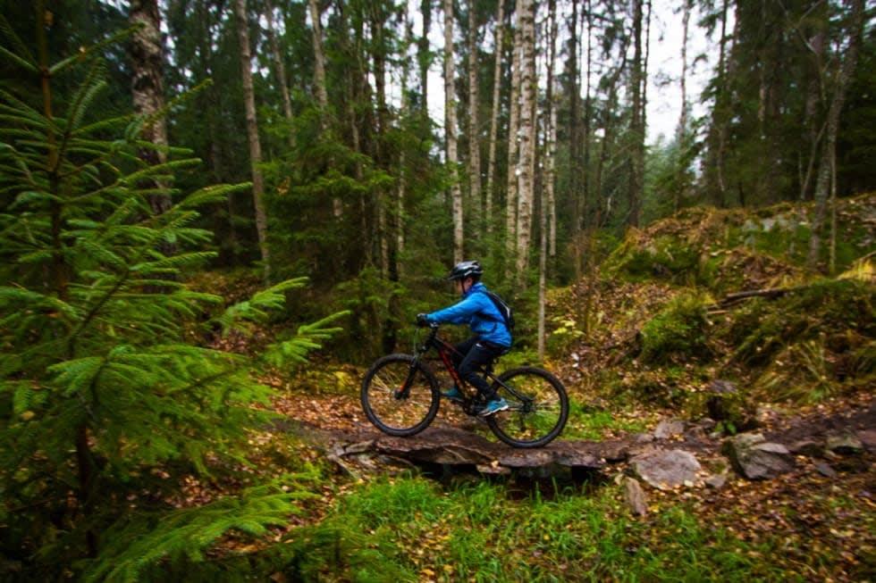 VANSKELIG? Om du har syklet litt i terrenget før, vil du klare å mestre store deler av Pionéren, men den har også krevende partier. Foto: Snorre Veggan.