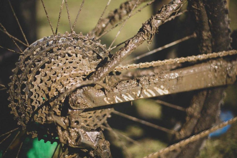 SAUS: Drivverket på sykkelen til Petter fikk gjennomgå i gjørma.