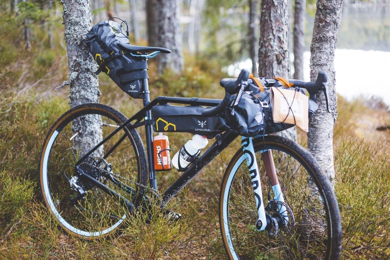 I BUKKEN: Du kan også bruke en sykkel med bukkestyre til bikepacking helt fint. Foto: Kristoffer H. Kippernes