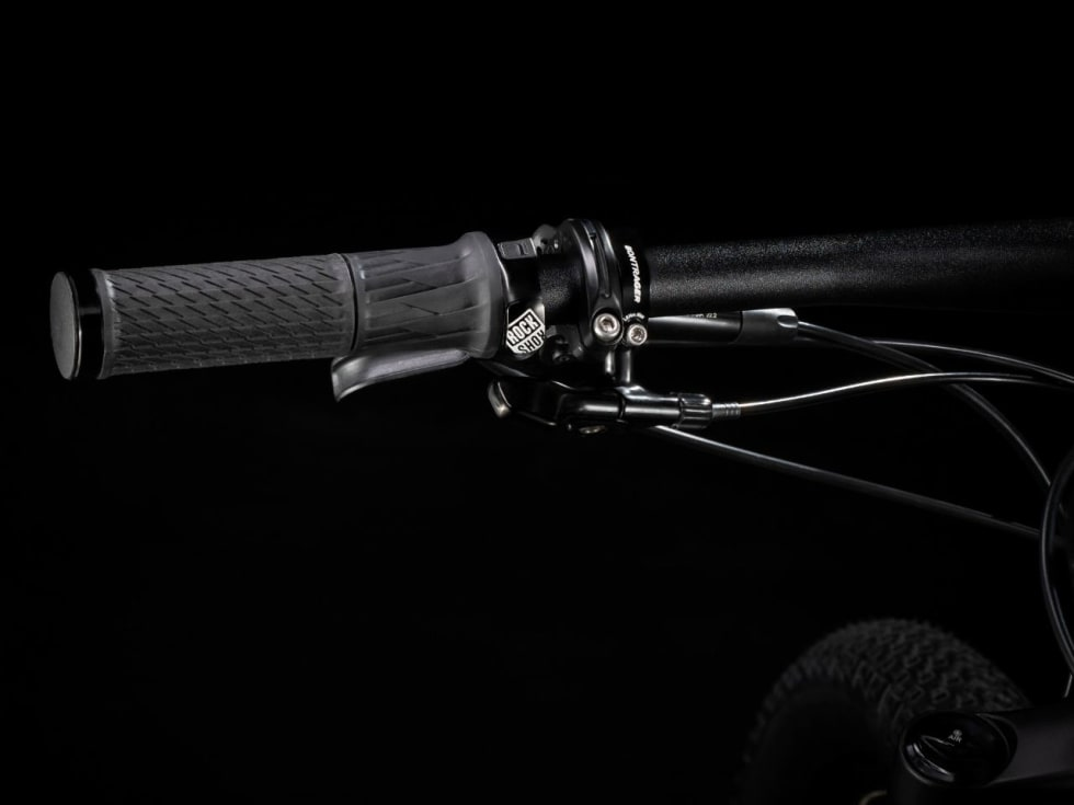 EN TVIST: Med RockShox sin Twist Lock bryter kontrolleres begge demperenhetene fra Rock Shox i én håndbevegelse. Eller vri, om du vil.