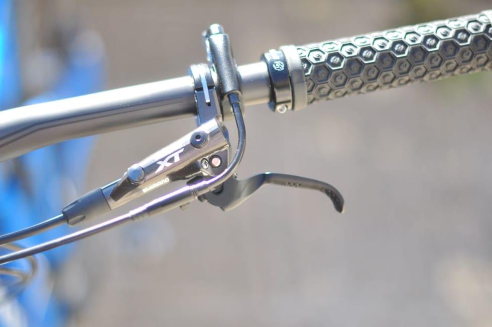 BREMSER: XT-bremsene fungerer bra og har god hendel, selv med 160mm skive.
