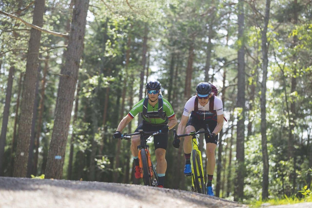 RASKEST? Som en del av forberedelsene har Øyvind testet hva som er raskest av sykkel med bukkestyre og en vanlig terrengsykkel. Du kan lese testen i Terrengsykkel 83 og på nett. Foto: Kristoffer H. Kippernes