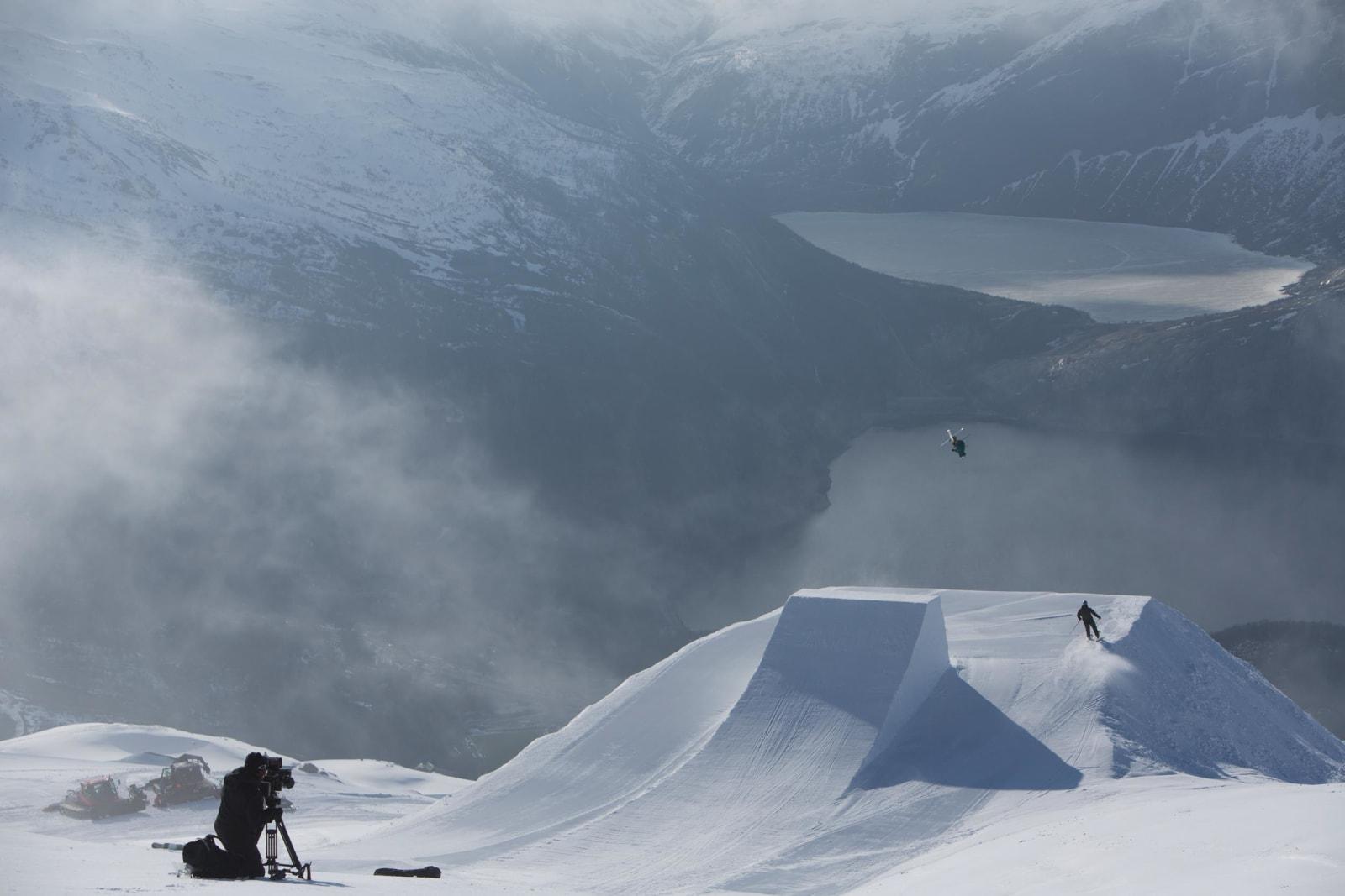PUBLIKUM: Fjellnorges beste kamerapark og en tråkkemaskin fra Lofoten, følger med Øystein Bråten som også i Glomfjord er glovarm. Foto: Thomas Kleiven