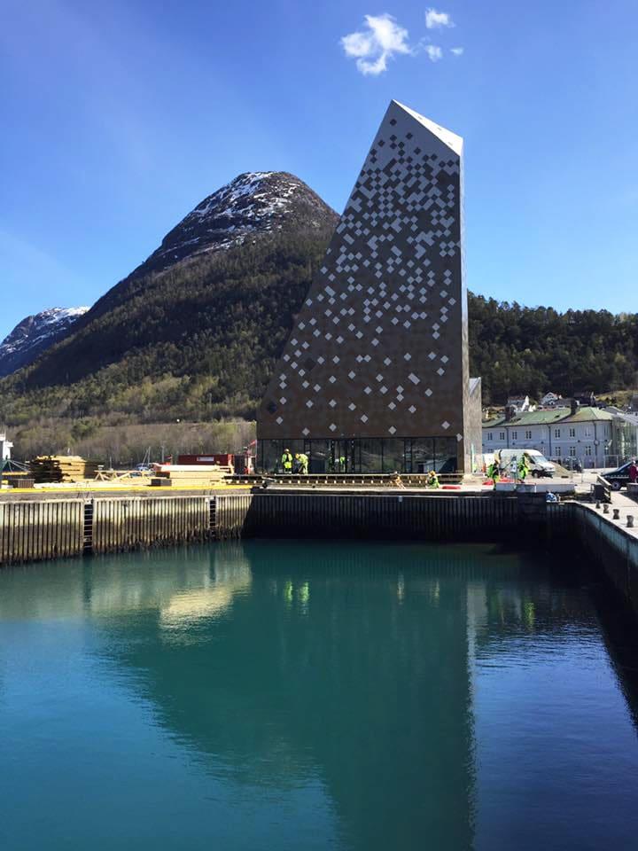 SIGNALBYGG: Det er ingen tvil om at Norsk Tindemuseum vil skille seg ut i Åndalsnes. Foto: Nils Øveraas