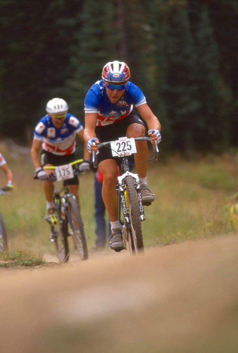 SUPERSTJERNENE: John Tomac var terrengsykkelsportens største stjerne. Han var i 1990 også proff på landeveien på Team 7-Eleven.