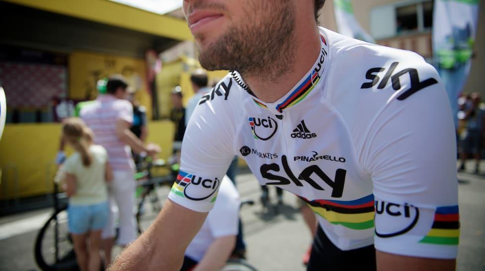 KORREKT: Team Sky fulgte selvsagt regelverket da de laget VM-trøya til Mark Cavendish.