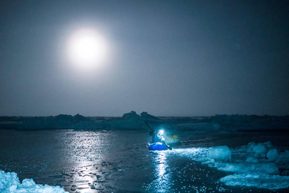 På vei over isen