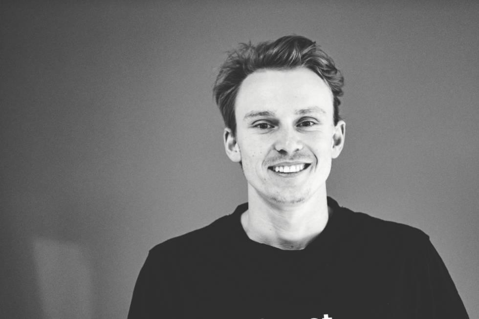 PÅ LANSERING: Fri Flyt møtte Henrik Kristoffersen på lanseringen av Sweets nye goggles. Foto: Bård Gundersen