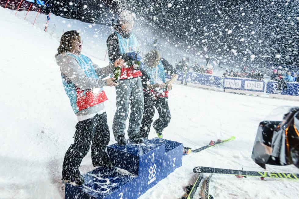 VANT: Øystein Bråten tok gull i Hafjell, og kunne sammen med Nick Goepper og James Woods sprette champagnen. Foto: ESPN