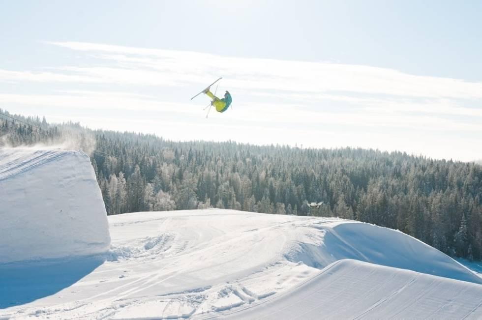 RINGKOLLEN: Skianlegget ved Hønefoss satser også på park. Foto: Peter Gløersen