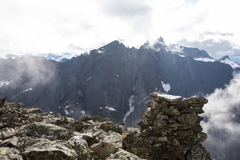 Romsdalshorn klatring