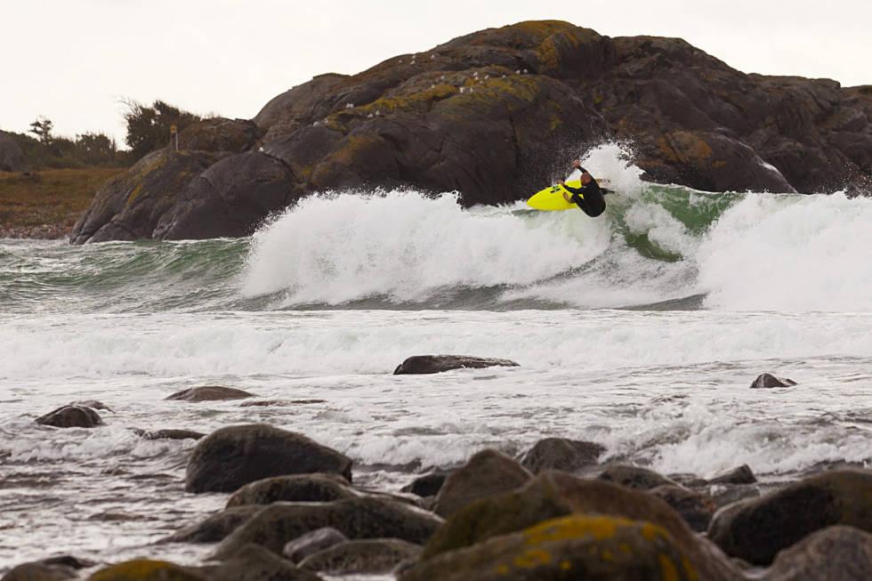 SALTSTEIN: Området har vært et populært surfeområdet i lang tid. Nå er det endelig helt lov å surfe der. Foto: Foto: Jostein Brede Røer Nilsen