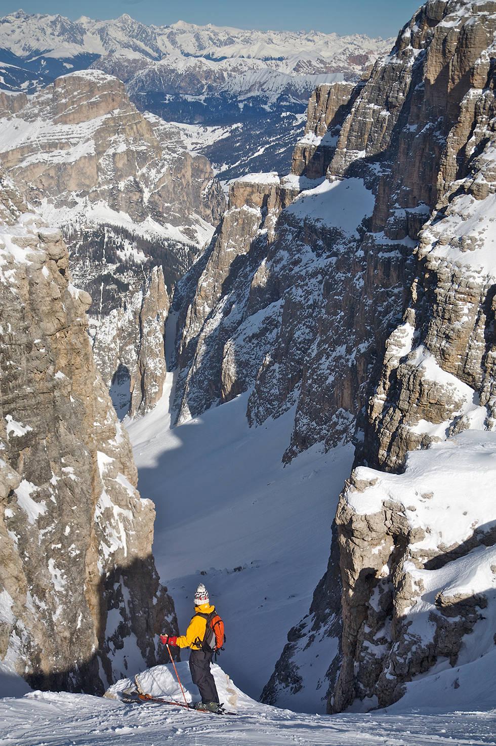 Dolomittene Skiing Around the World