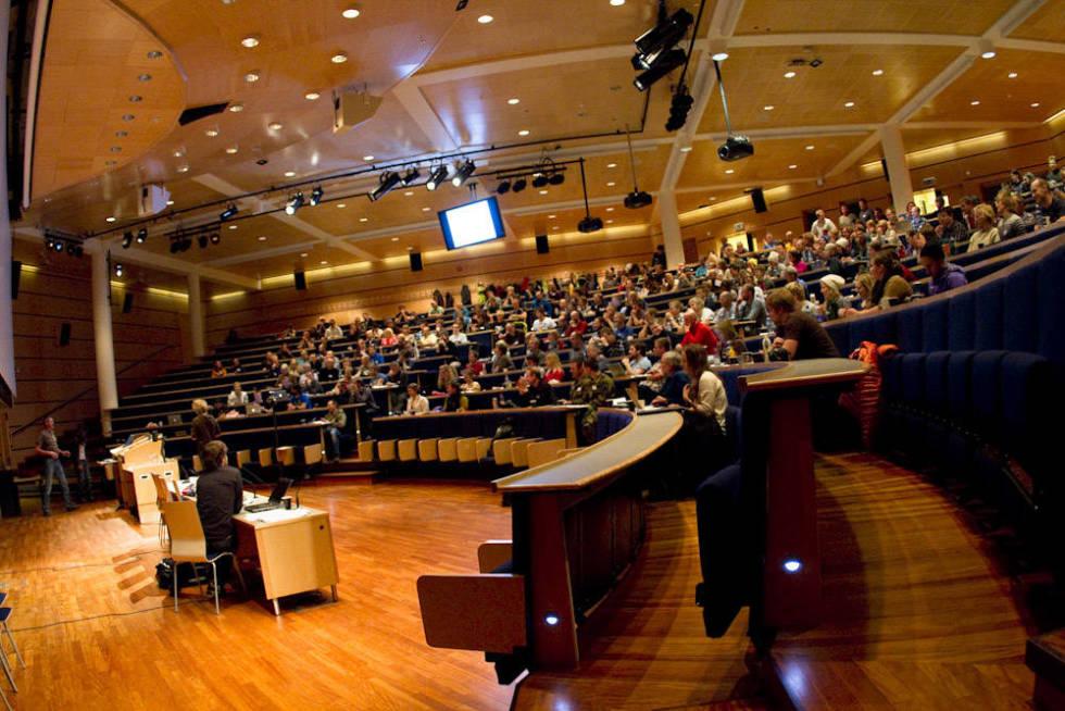 FULLT: Skredkonferansen samler annethvert år en rekke skredinteresserte skientusiaster. Her fra da konferansen ble arrangert i Tromsø.