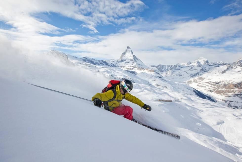 ZERMATT: Nyt fin skikjøring på sommeren i Zermatt. Foto: Foto: Fredrik Schenholm