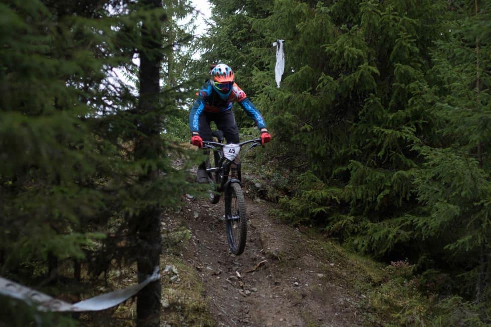 Piotr Susfal Hafjell Enduro 2018 - Aurora Schjølberg 1400x933