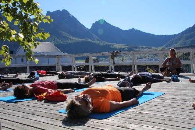 OPPLADING: Yoga gir deg ny energi.Foto: Randi Skaug