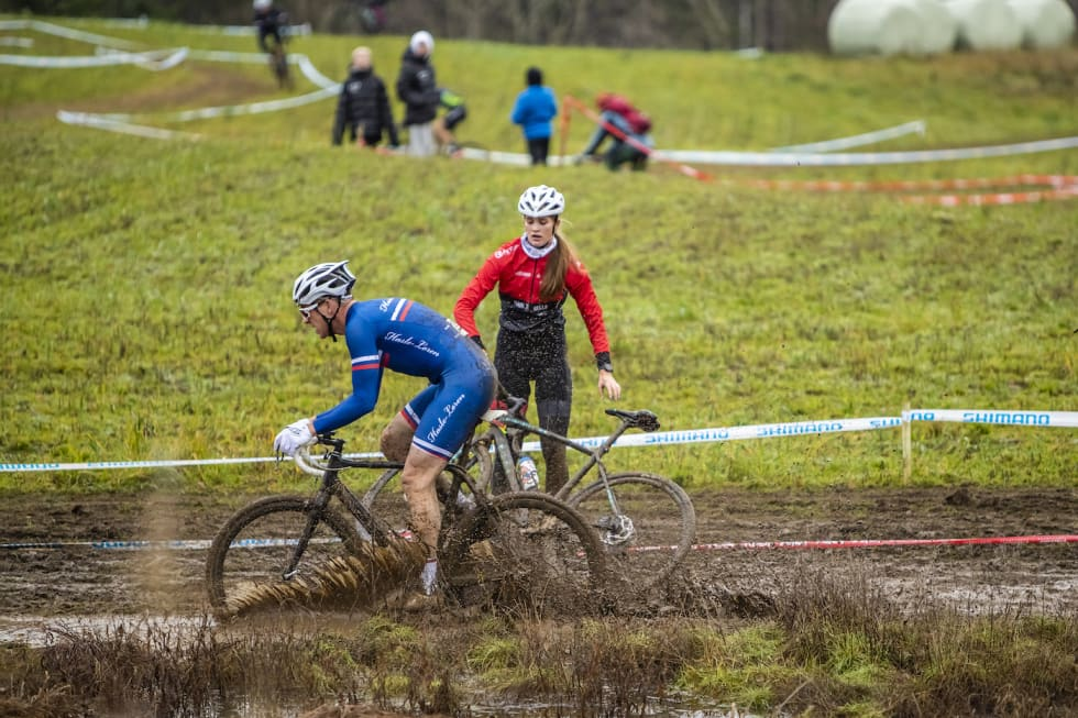 Ikke like lett å holde hjulene i gang hele veien. Foto: Pål Westgaard