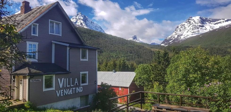 Her på Villa Vengetind i Isfjorden får Romsdal Endurocamp sin base. Foto: Tommy Aslaksen