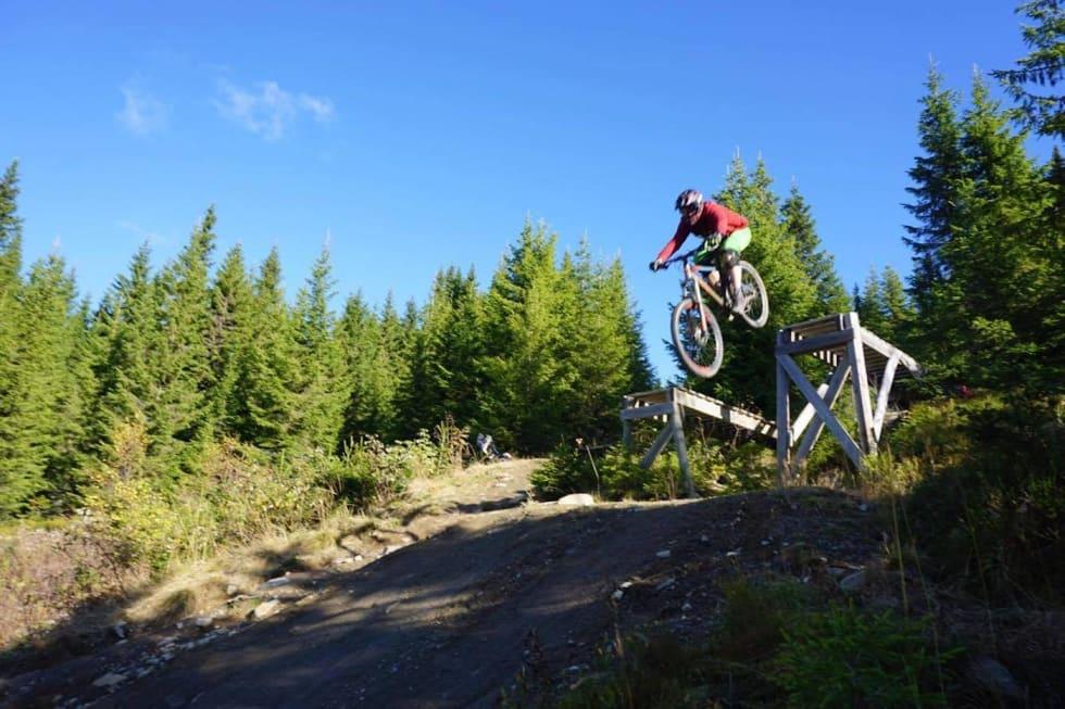 Jumping - IVRIG Hafjell camp Oct 2017 - Linn Cecilie Mæhlum 1400x933