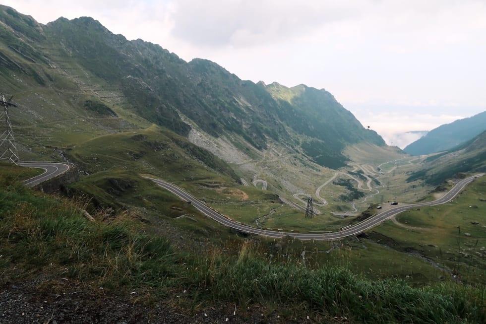 Drøy bakke - Transfagarasan i Romania - kjent fra Top Gear som worlds best road trip - Kanskje ikke like fornøyelig å sykle som å kjøre men nedoverbakken på den andre siden gjorde det verdt slitet - Foto Tandrevold 1200x800