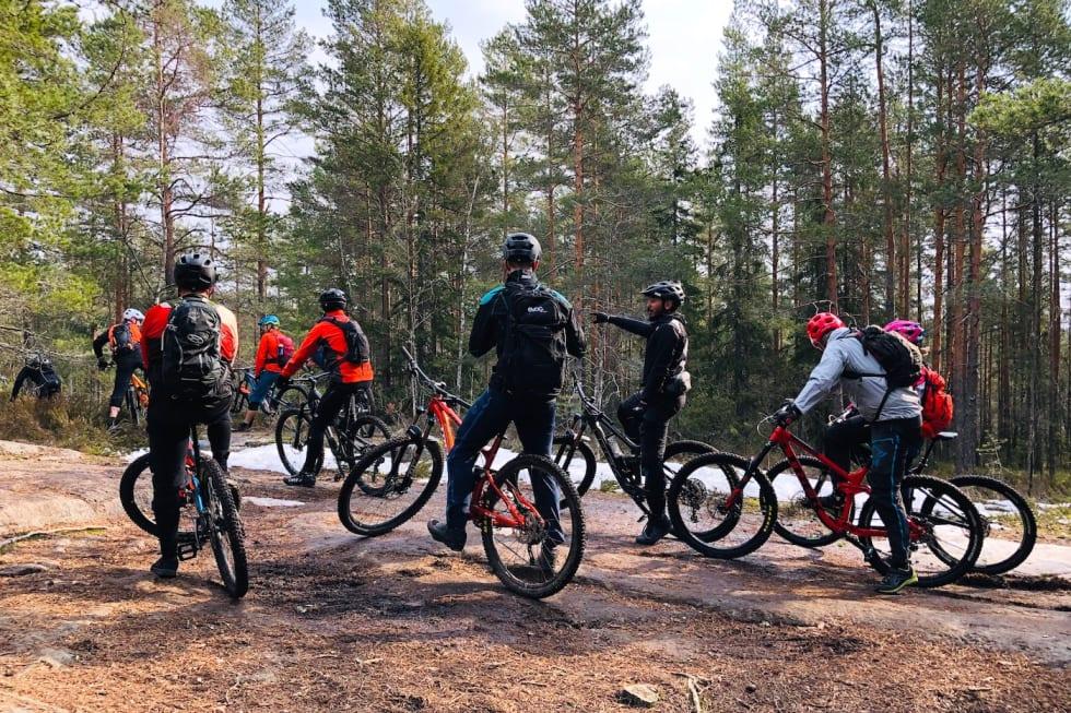 De lommekjente guidene Tore Hovden og Geir Hording hadde lagt opp en god rute for dagen. Foto: Lars Thomte